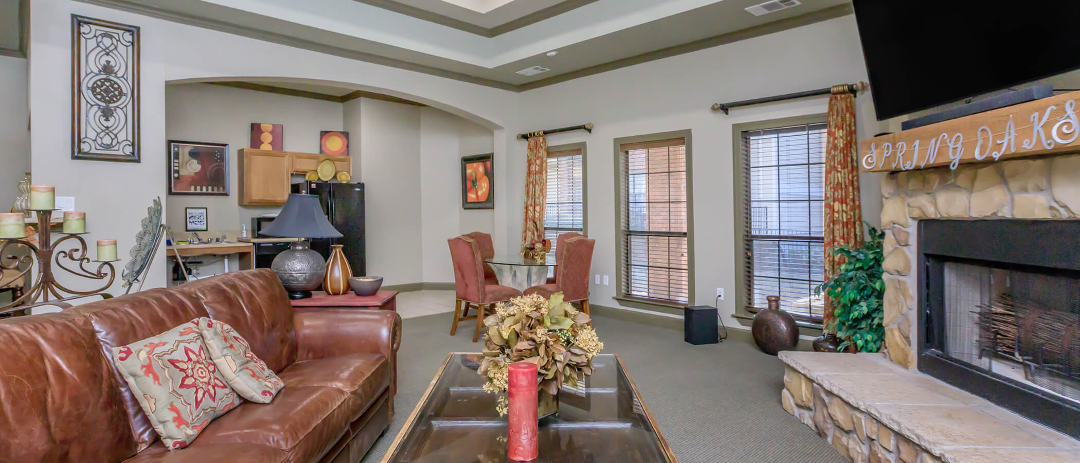 Spring Oaks Apartments slideshow image 3