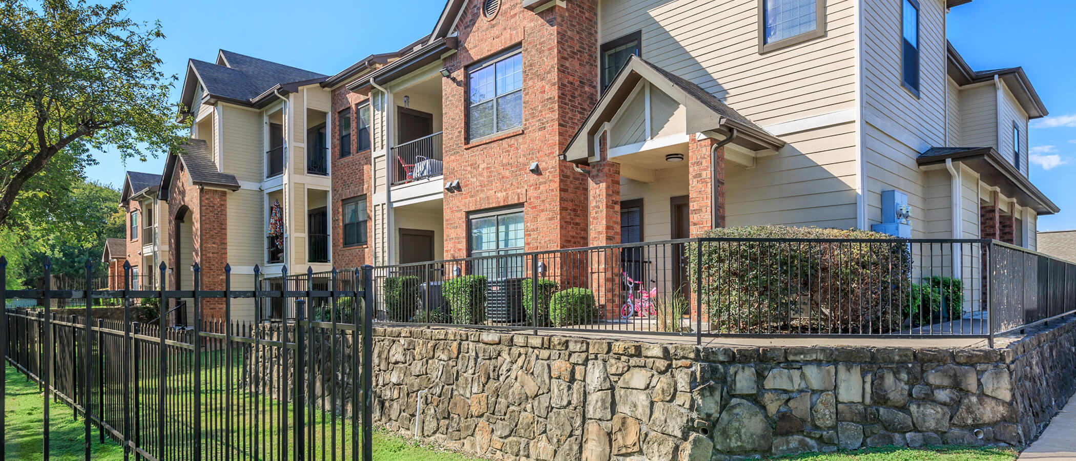 Spring Oaks Apartments slideshow image 5